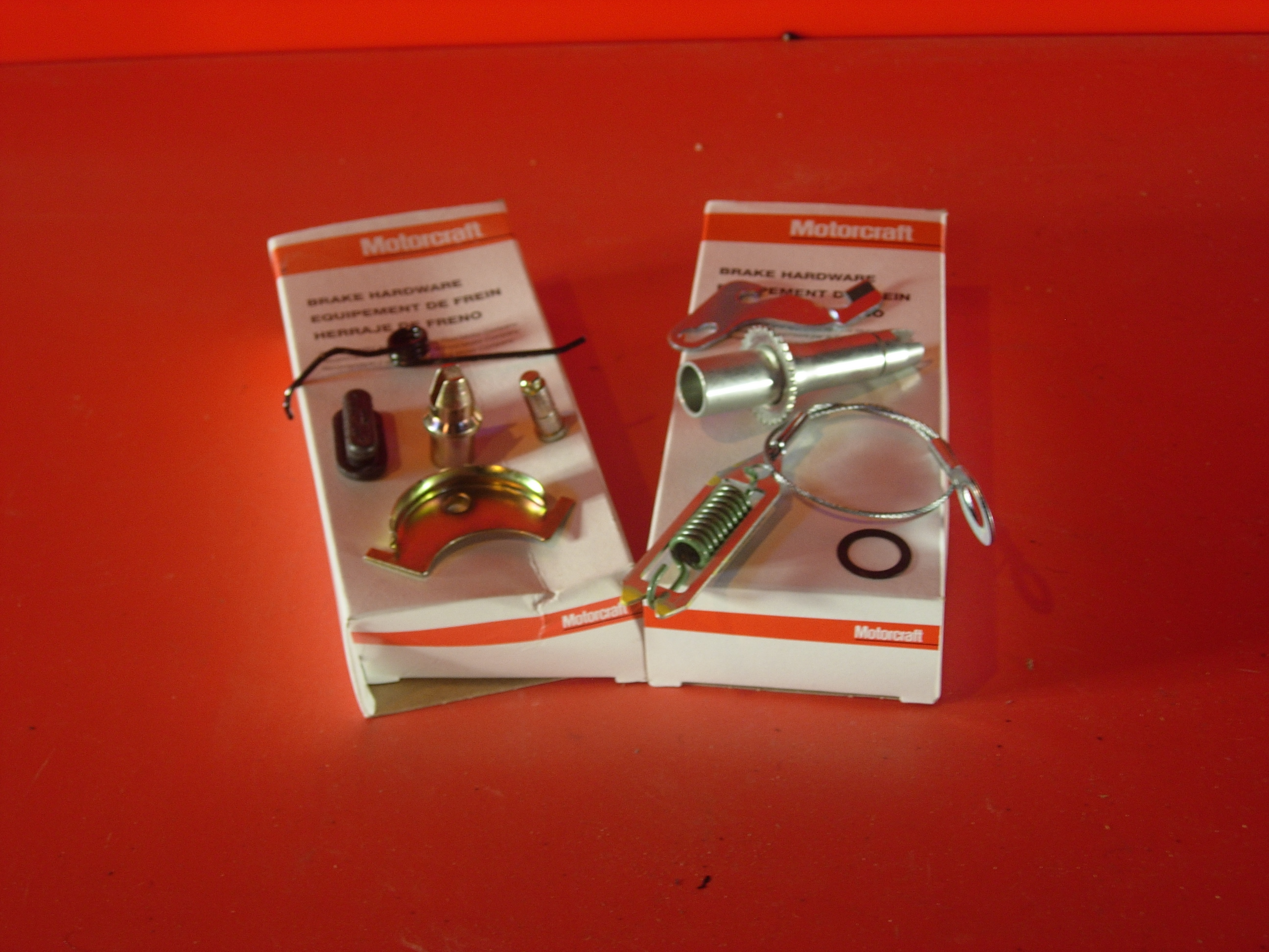 Brake Adjuster Kit rear left 98-02 Town Car