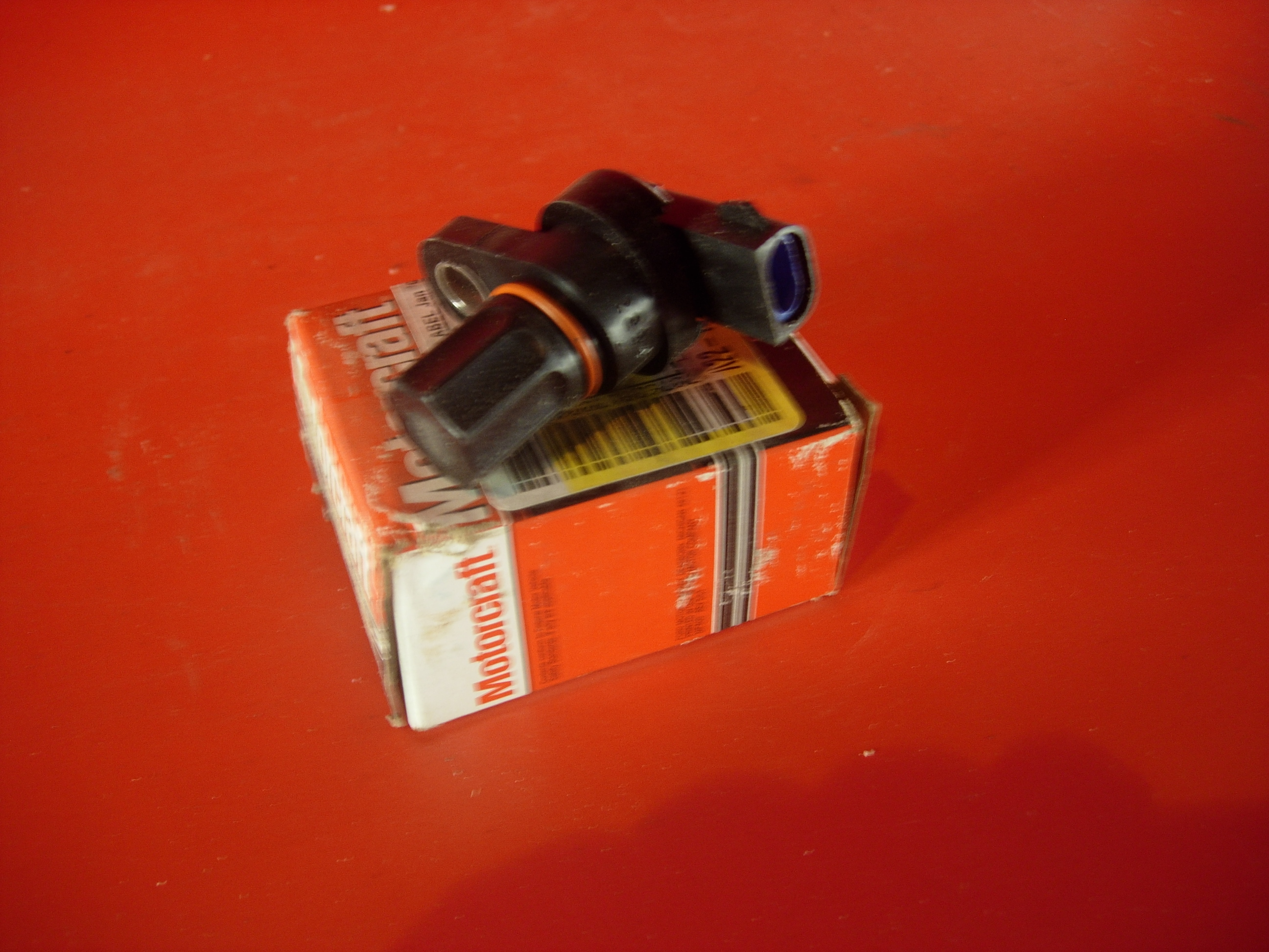 Genuine Ford Cam shaft sensor 98-02 towncar