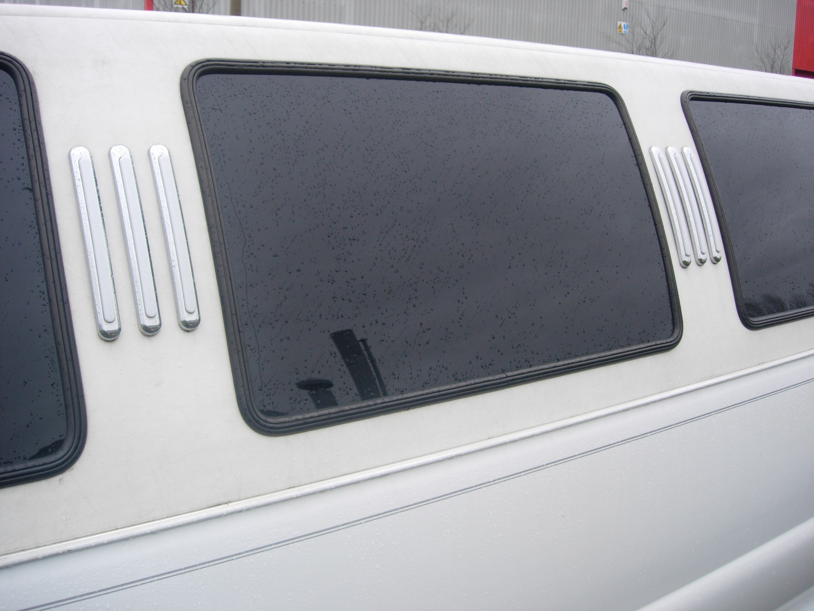 2nd hand Emergency pop out side panel window